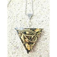 Ciondolo orgonite Triangolo Occhio di Horus oro 24 K, shungite. Creazione artigianale, fatto a mano artigianale.Reiki…