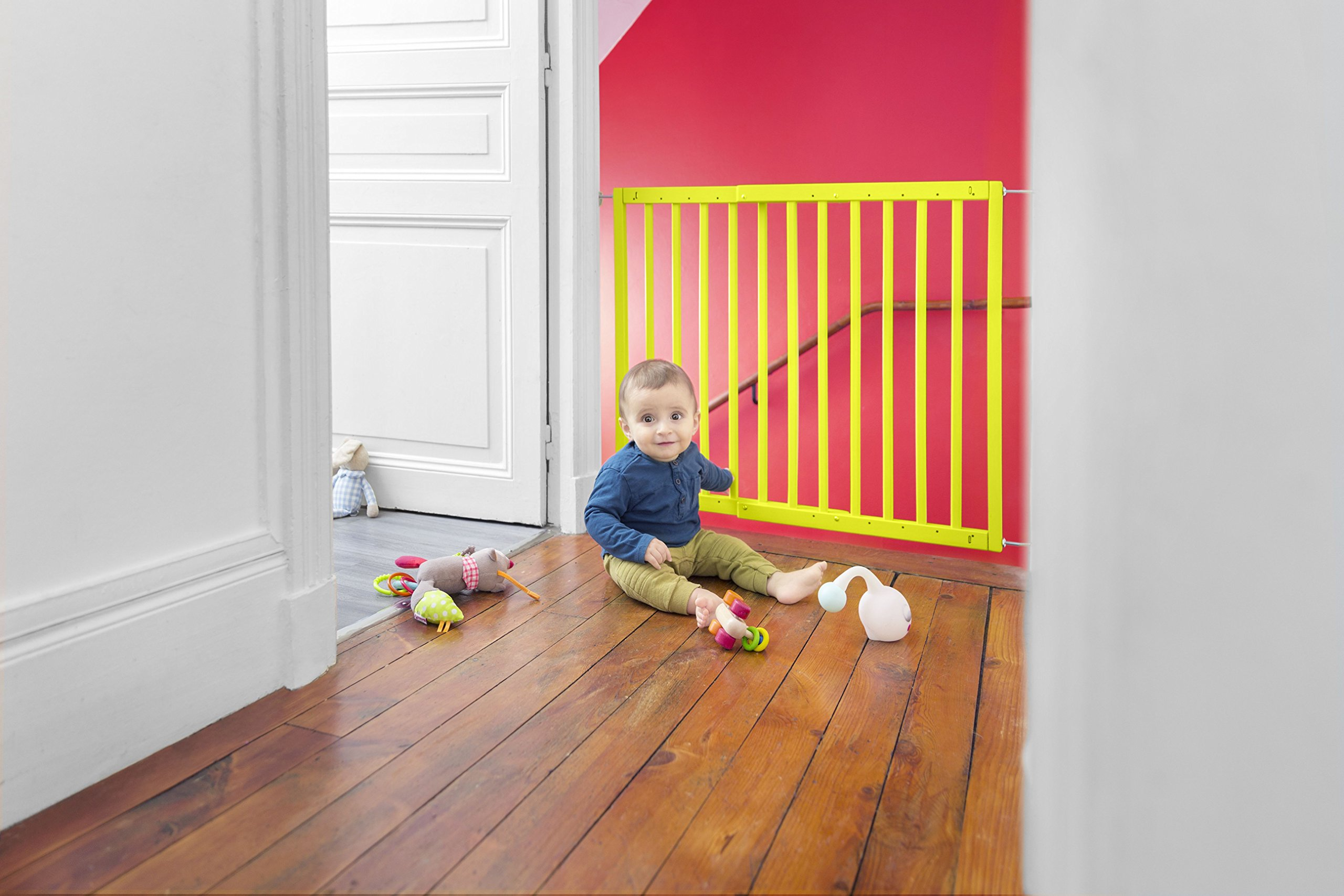Badabulle Color Pop Safety Gate, Yellow Badabulle Mountable in just 7 minutes Easy to open Swinging door 10
