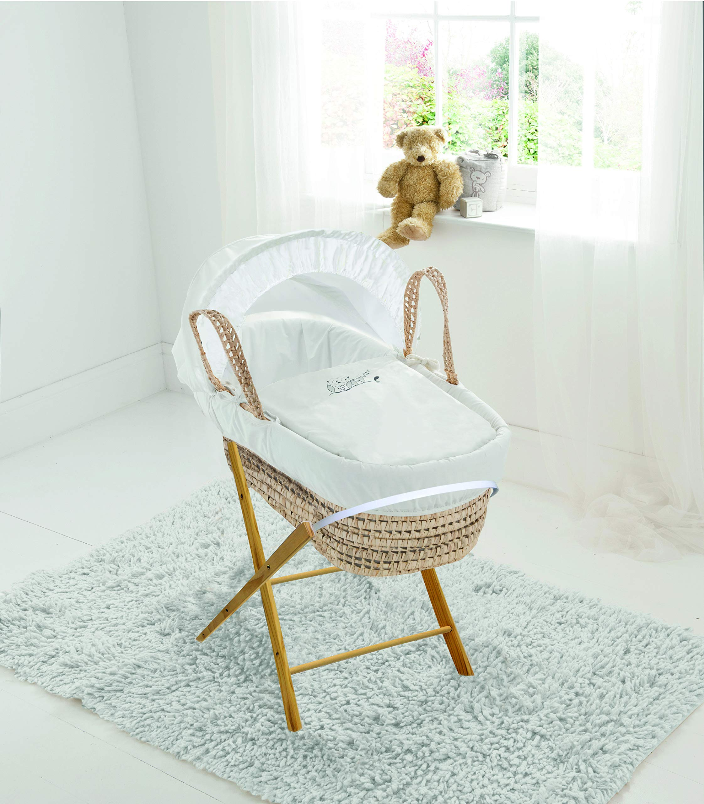 Sleepy Little Owl Palm Moses Basket & Folding Stand Elegant Baby Suitable from newborn for up to 9kg, this Moses Basket uses Easy-care Poly Cotton with a soft padding surround Suitable from newborn to 9 months It also includes a comfortable mattress and an adjustable hood perfect to create a cosy sleeping space for your precious little one 1