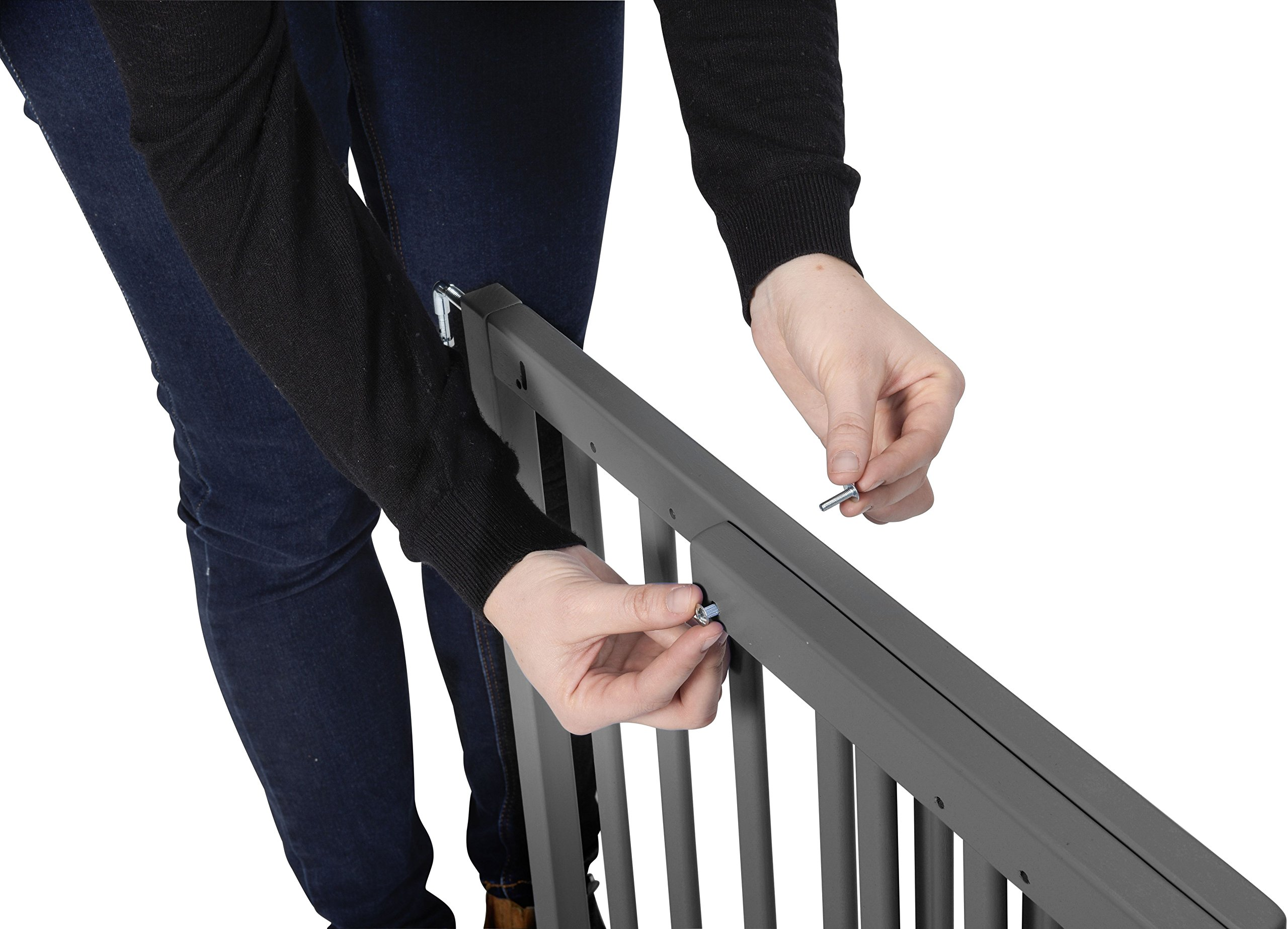 Badabulle Color Pop Safety Gate Grey Badabulle Fits openings between 63.5 cm and 103.5 cm Gate type opening Assembled in 7 minutes 5