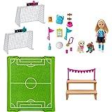 Barbie GHK37 - Barbie Dreamhouse Adventures Chelsea Pop (15 cm) met Voetbalspeelset en Accessoires
