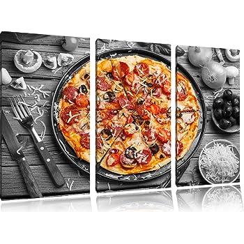 Amazonde Köstliche Pizza Auf Pizzablech Schwarzweiß Auf 3 Teiler