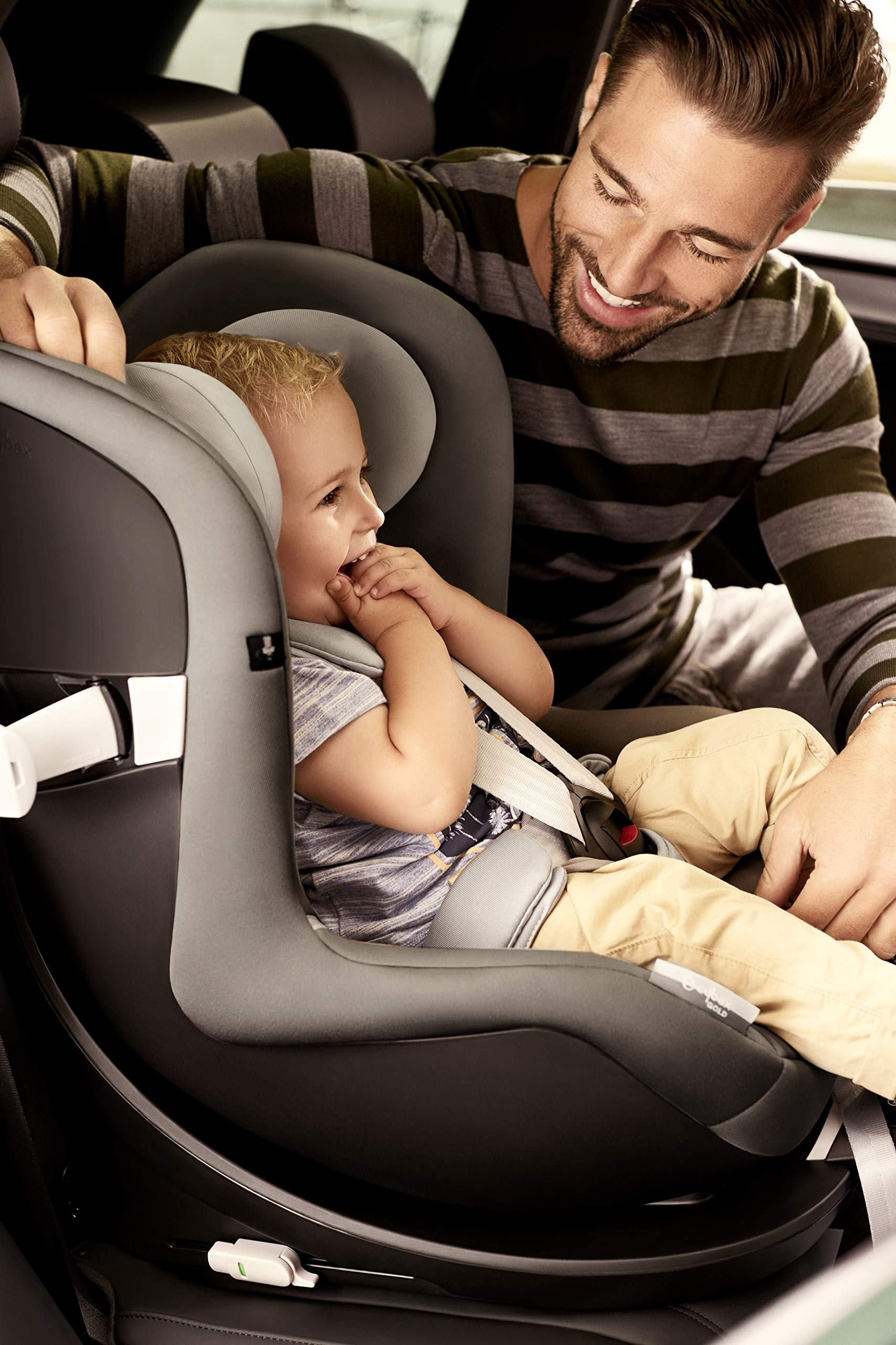 CYBEX Gold Sirona M2 i-Size Car Seat, Incl. Base M, From Birth to approx. 4 years, Up to Max. 105 cm Height, Urban Black  Cybex gold car seat sirona m2 i-size incl. base m Colour: urban black Item number: 519000957 8