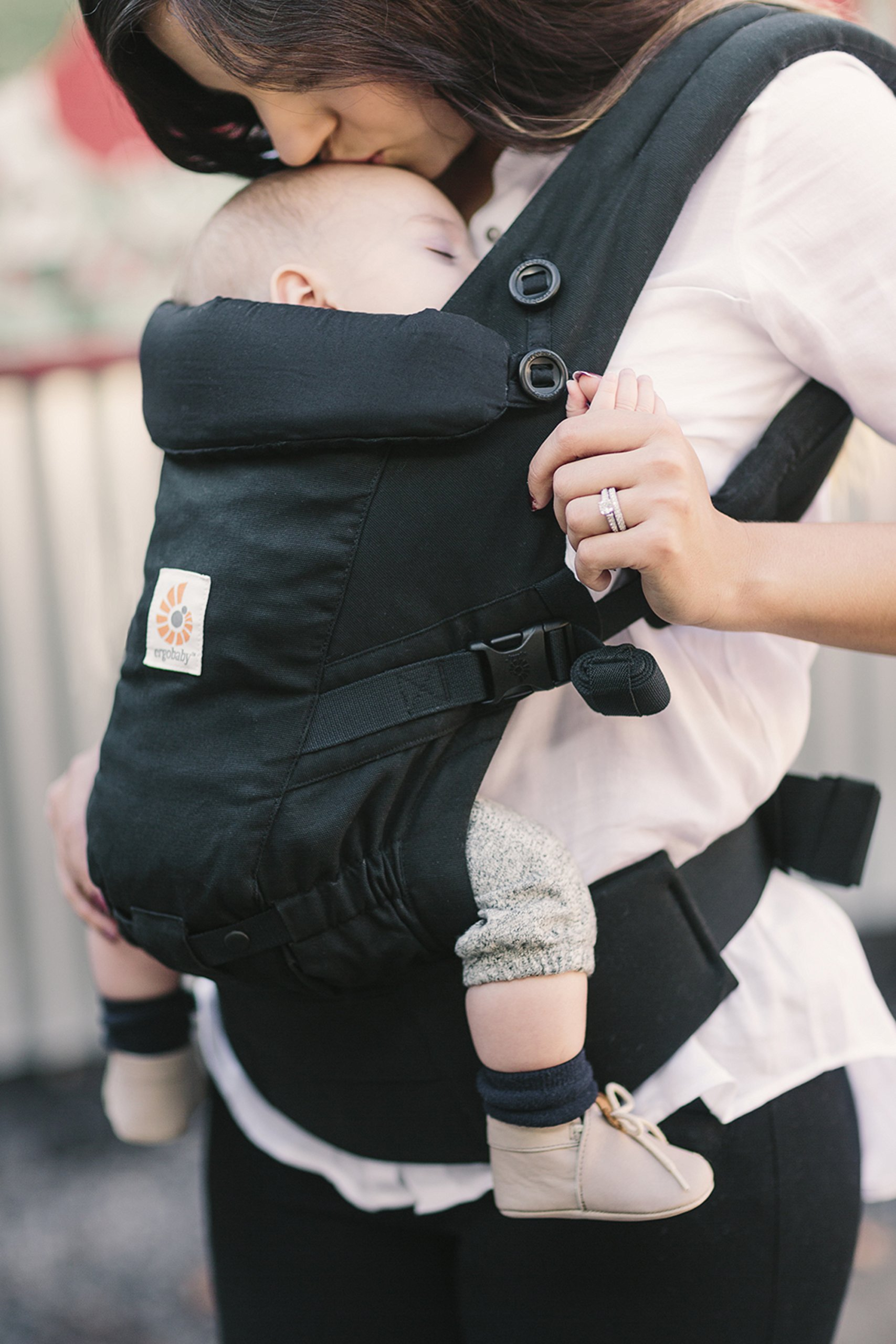 ErgoBaby Adapt Baby Carrier Black Ergobaby Adapt to Every Baby Easy. Adjustable. Newborn to toddler. 10