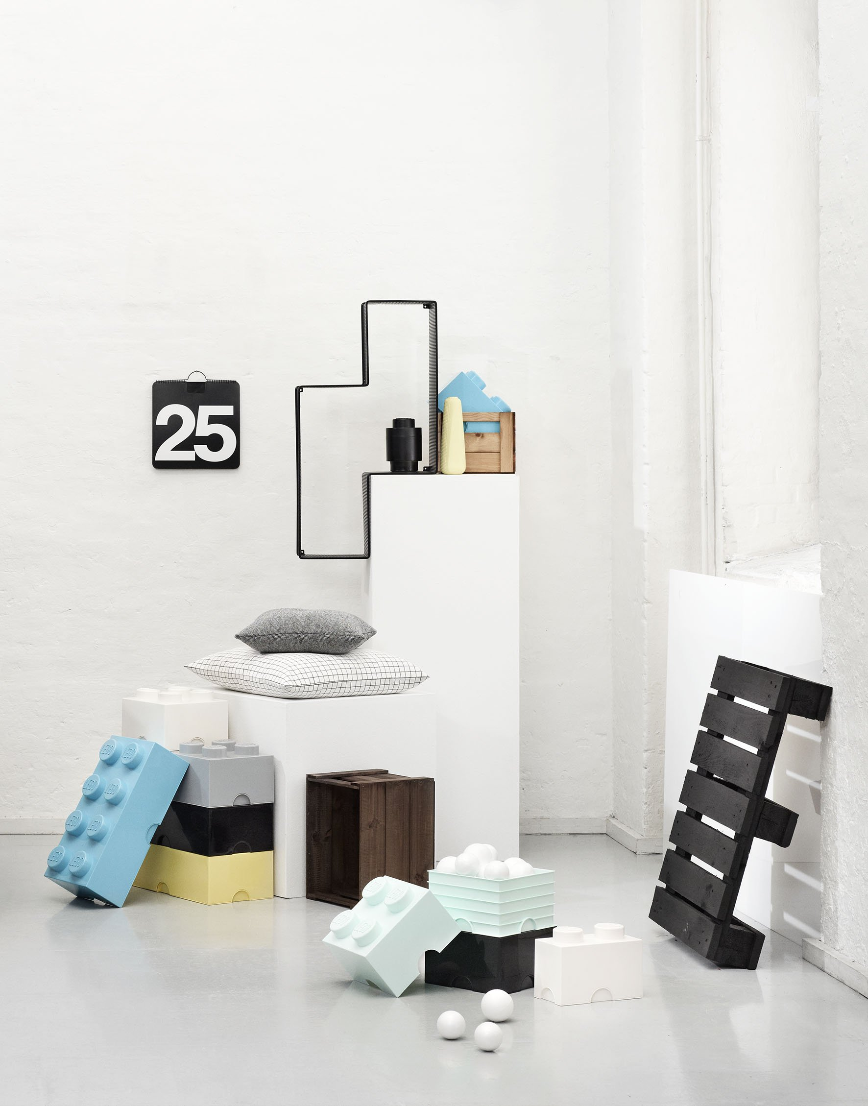 Mattoncino-contenitore Lego a 4 Bottoncini, Contenitore Impilabile, 5,7 Litri, Acqua & Lego Brick Mattoncino Bottoncini… 5 spesavip