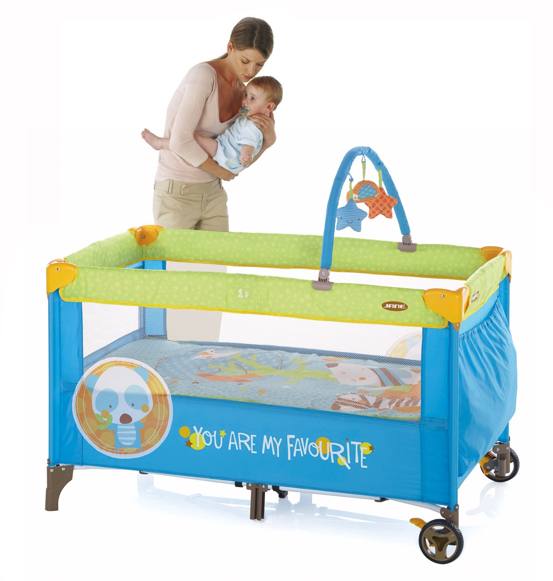 Jane Duo Level Travel Cot (Animal Dots) Jane, Inc. Suitable from birth to 3 years. 2 position base. The highest position is ideal for newborns and helps reduce the strain on your back when putting your baby down to sleep. Toy arch with toys included. 2