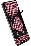 Coffret Ensemble Cravate Homme, Mouchoir de Poche, Boutons de Manchette à carreaux Rouge - 100% en Soie - Classique, Elégant et Moderne - (Idéal pour un cadeau, un mariage, avec un costume..)