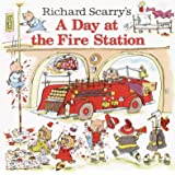 Richard Scarry's A Day at the Fire Station (Pictureback(R))