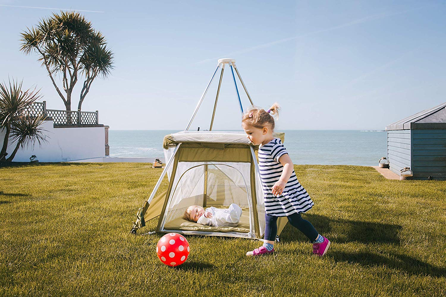 BabyHub Travel Cot with Circus Tepee and Mosquito Net, Green BabyHub A travel cot, mosquito proof space and reuse as a play tepee Lightweight and easy to put up and fold in seconds Includes extra padded seam-free mat for comfort 5