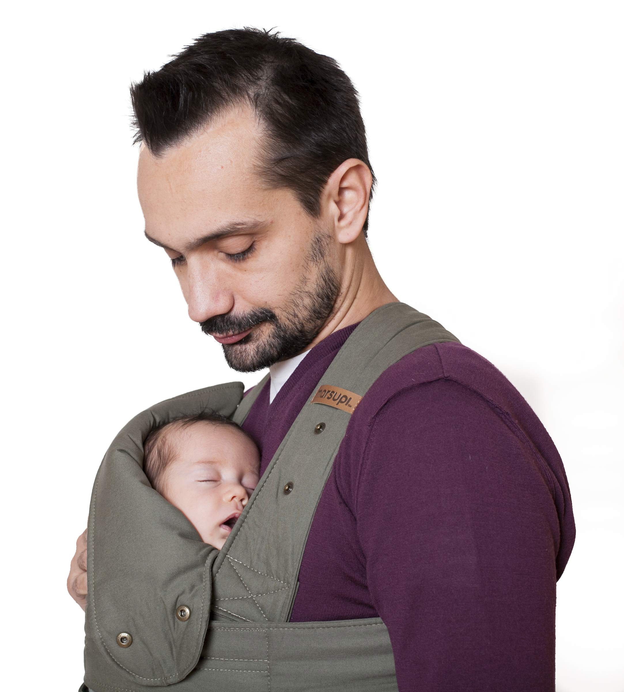 marsupi Baby and Child Carrier, Version 2.0 Classic (Olive/Oliv, XL) Marsupi Particularly compact and lightweight front & hip carrier (weight approx. 400 g) that fits in any pocket. Revised Version 2.0 Easy to put on thanks to unique Velcro system. 100% organic cotton, made in Europe. Machine washable up to 30°. Perfect support for the little ones, optimum weight distribution for the parents, wide base for orthopaedically correct posture (M position) and thigh support for your growing child 5