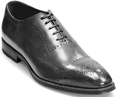 Scarpe da uomo italiane fatte a mano in pelle monopezzo Oxford. Matelica