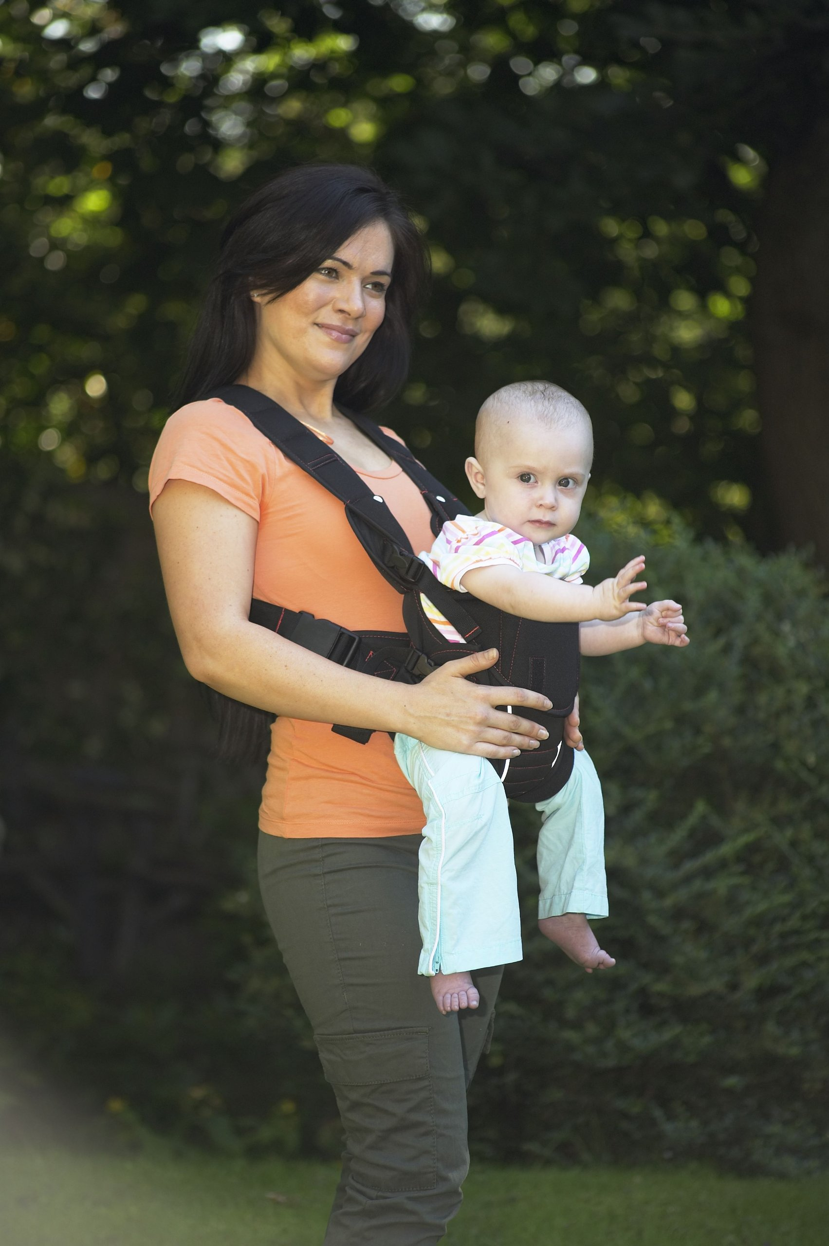 Babyway Baby Carrier 3-in-1  Suitable from birth Baby can face in/out/or be on your back Cushioned head rest and leg openings - with padded Supports 3