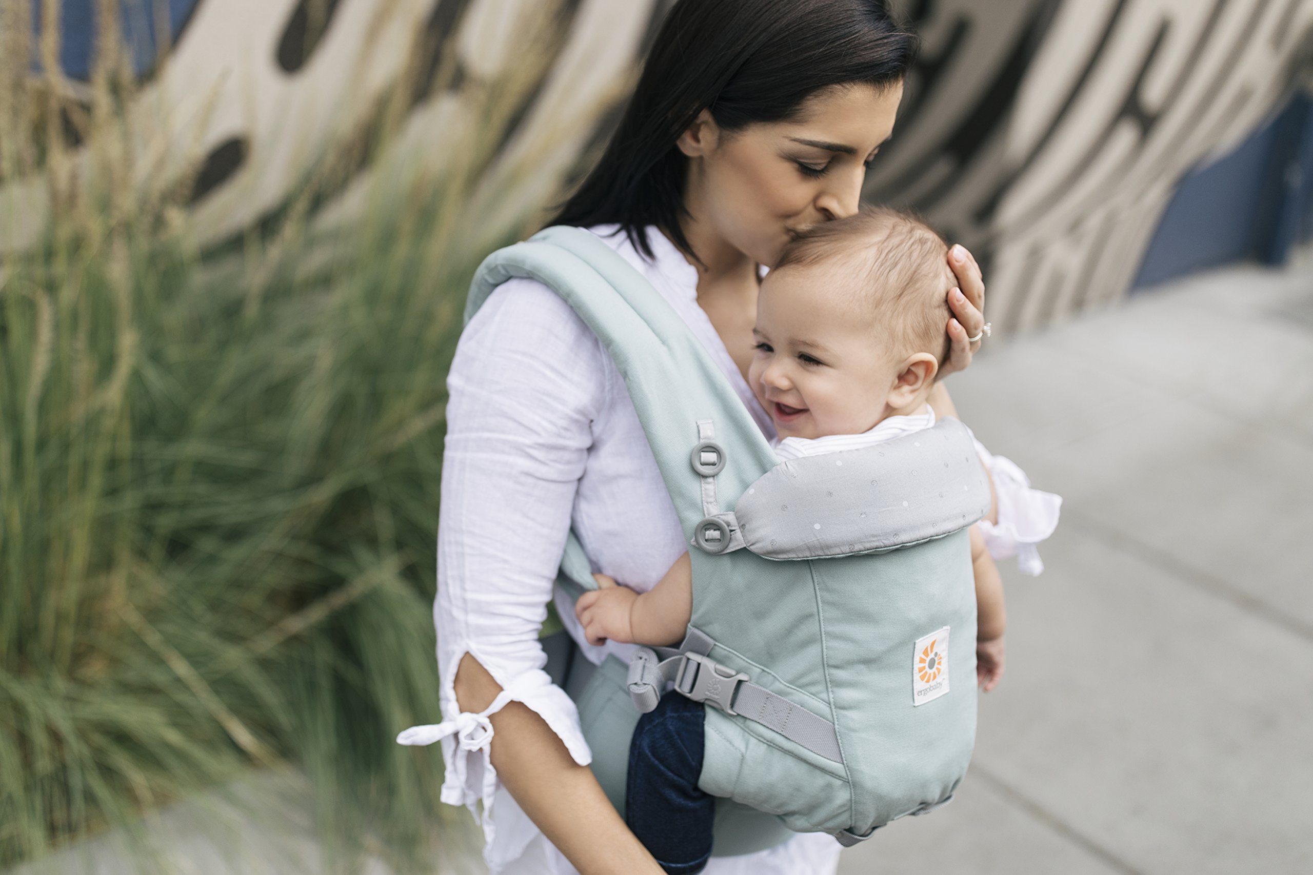 Ergobaby Baby Carrier for Newborn to Toddler up to 20kg, Adapt Frosted Mint 3-Position Ergonomic Child Carriers Front Backpack Ergobaby  5