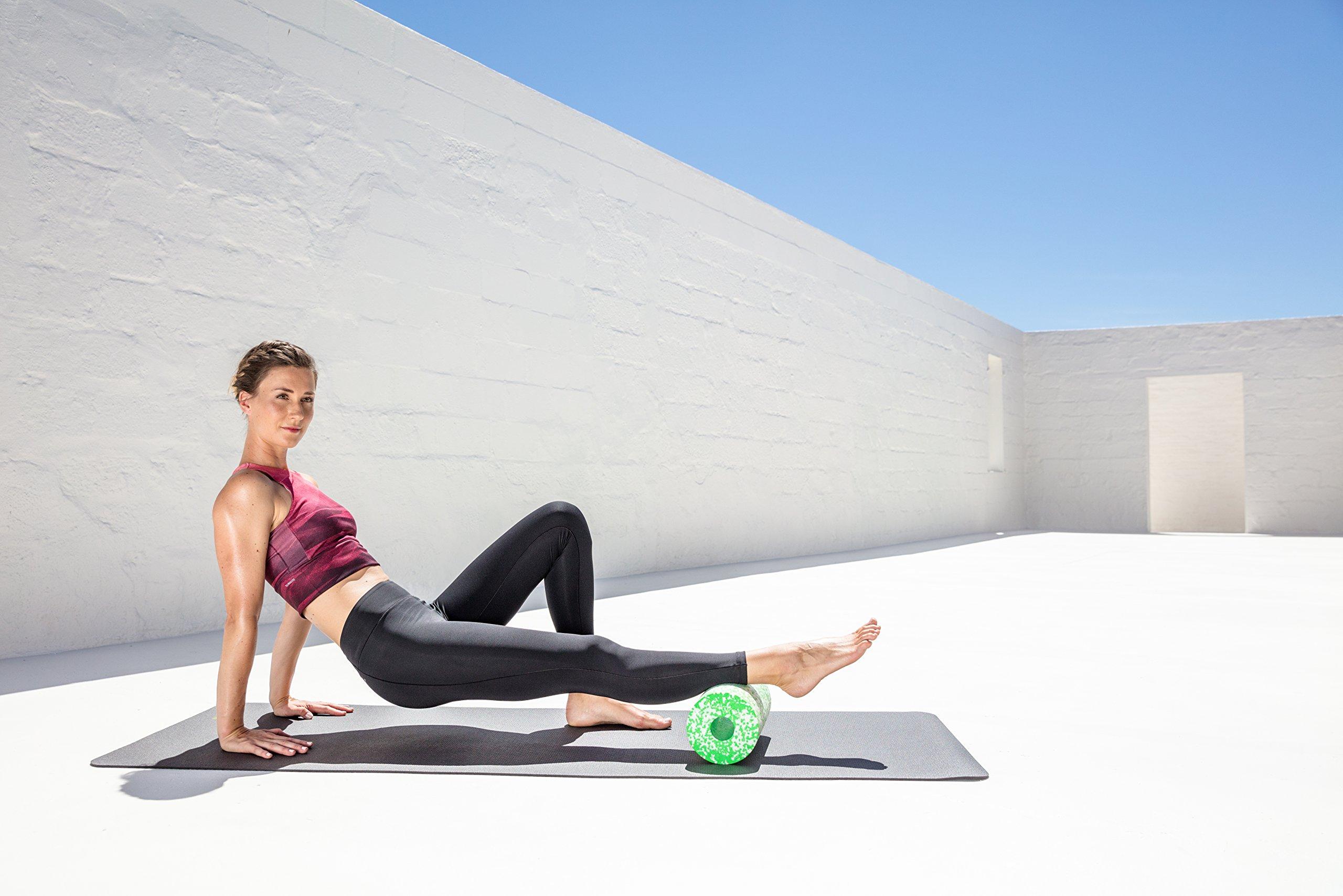 BLACKROLL MED Faszienrolle – die weiche Massagerolle für dein Faszientraining. Soft Selbstmassage-Rolle in 2 Farben (grün + pink)