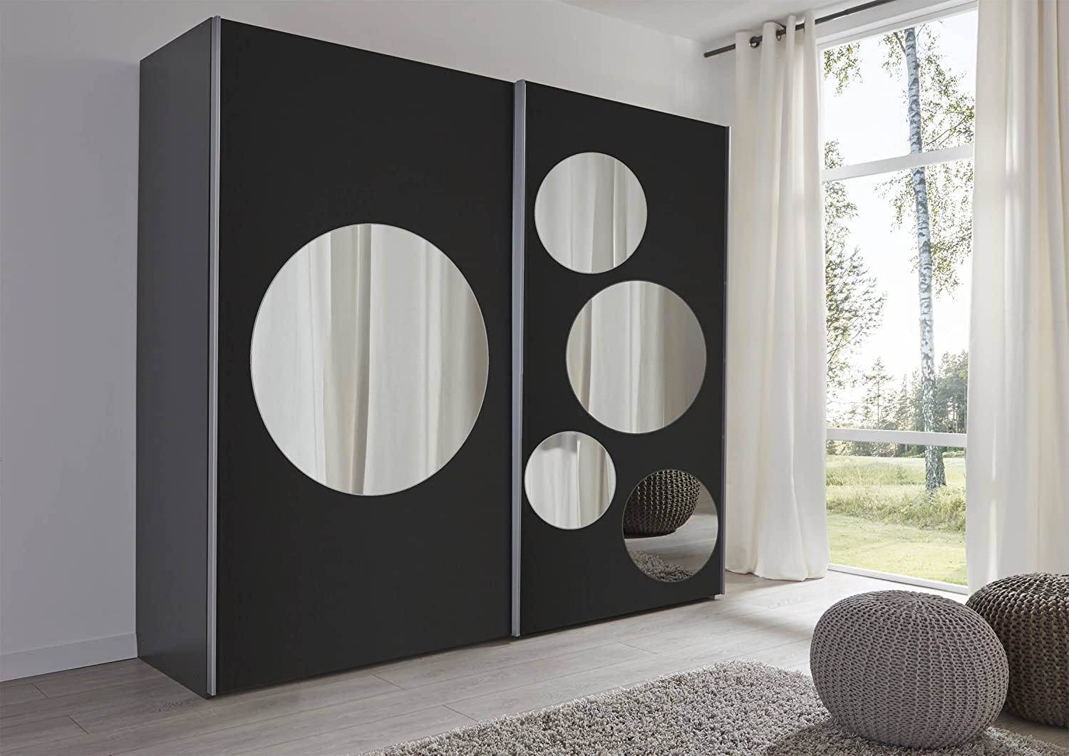 Schlafzimmer spott: black sliding door wardrobe with mirror spots ...