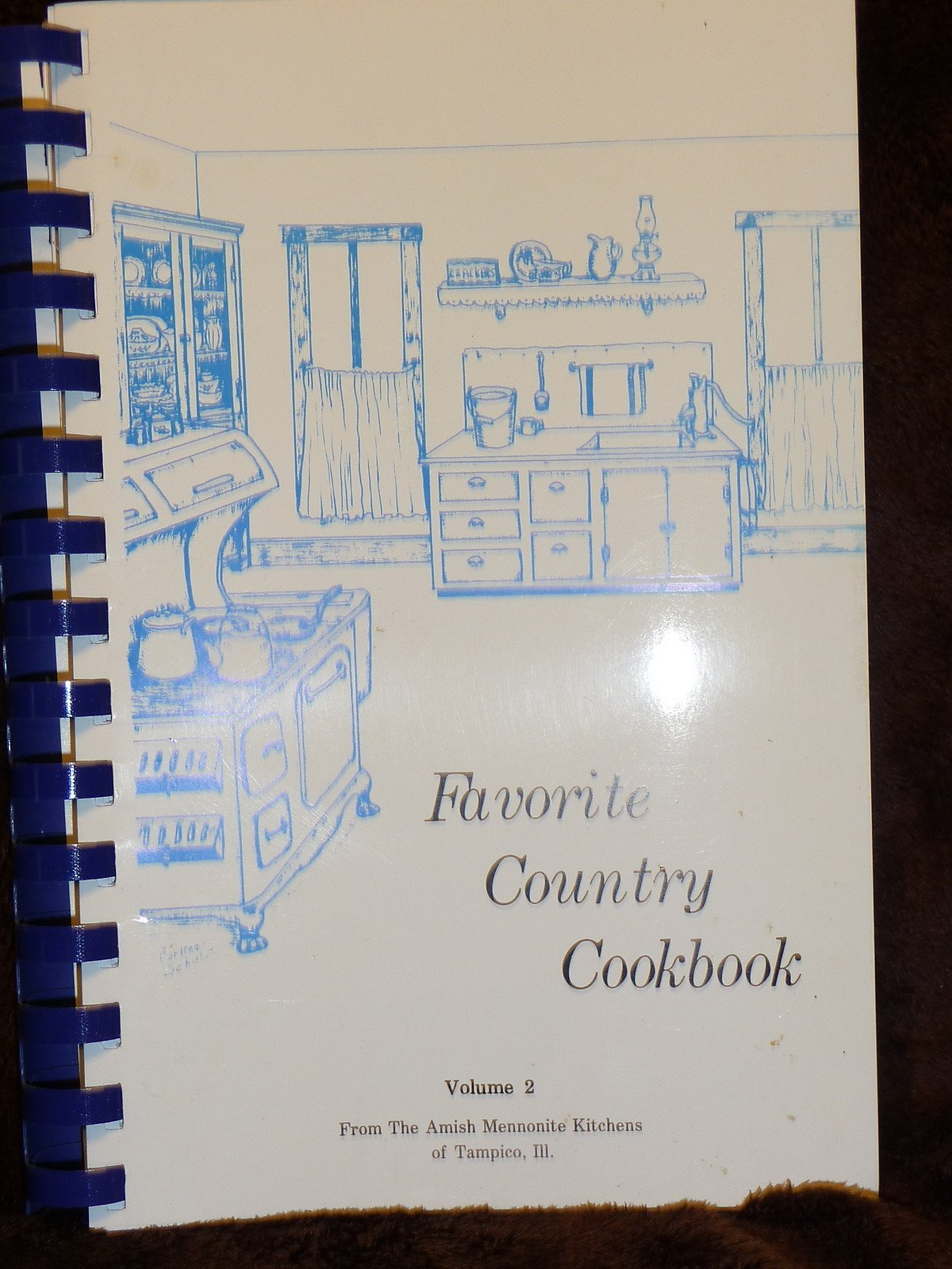 002: Favorite Country Cookbook: From the Amish Mennonite Kitchens of Tampico, Illinois