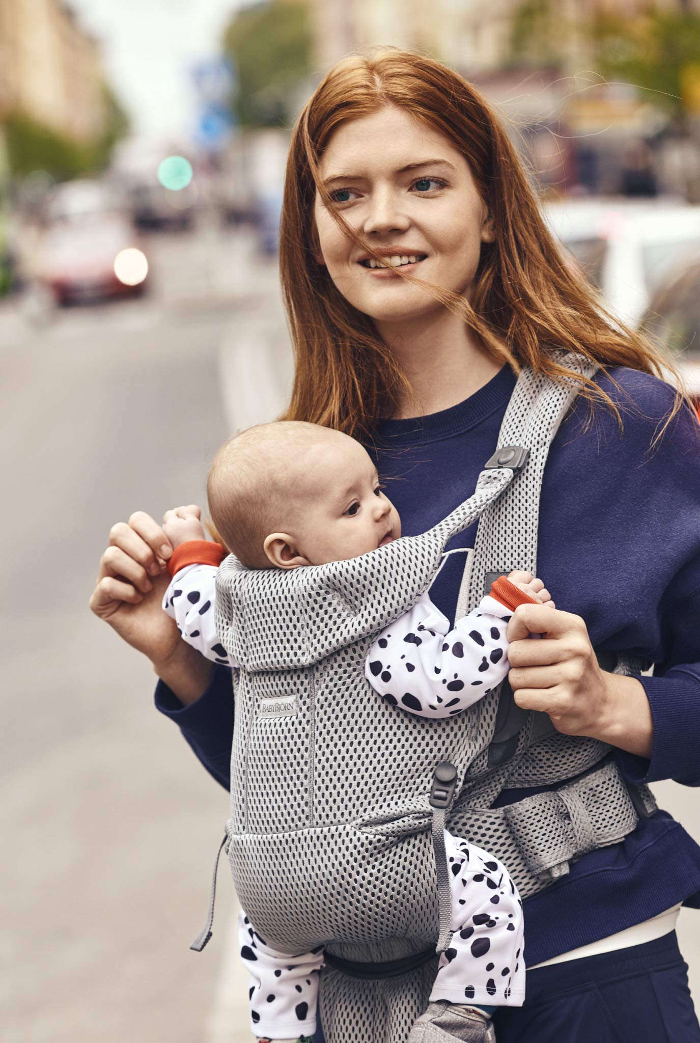 BABYBJÖRN Baby Carrier Move, 3D Mesh, Grey Baby Bjorn Excellent comfort with built-in back support and waist belt Easy to put on and take off Soft and airy design in cool 3D mesh 7