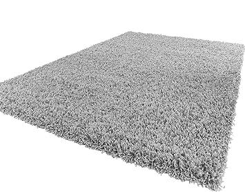 tapis shaggy gris clair