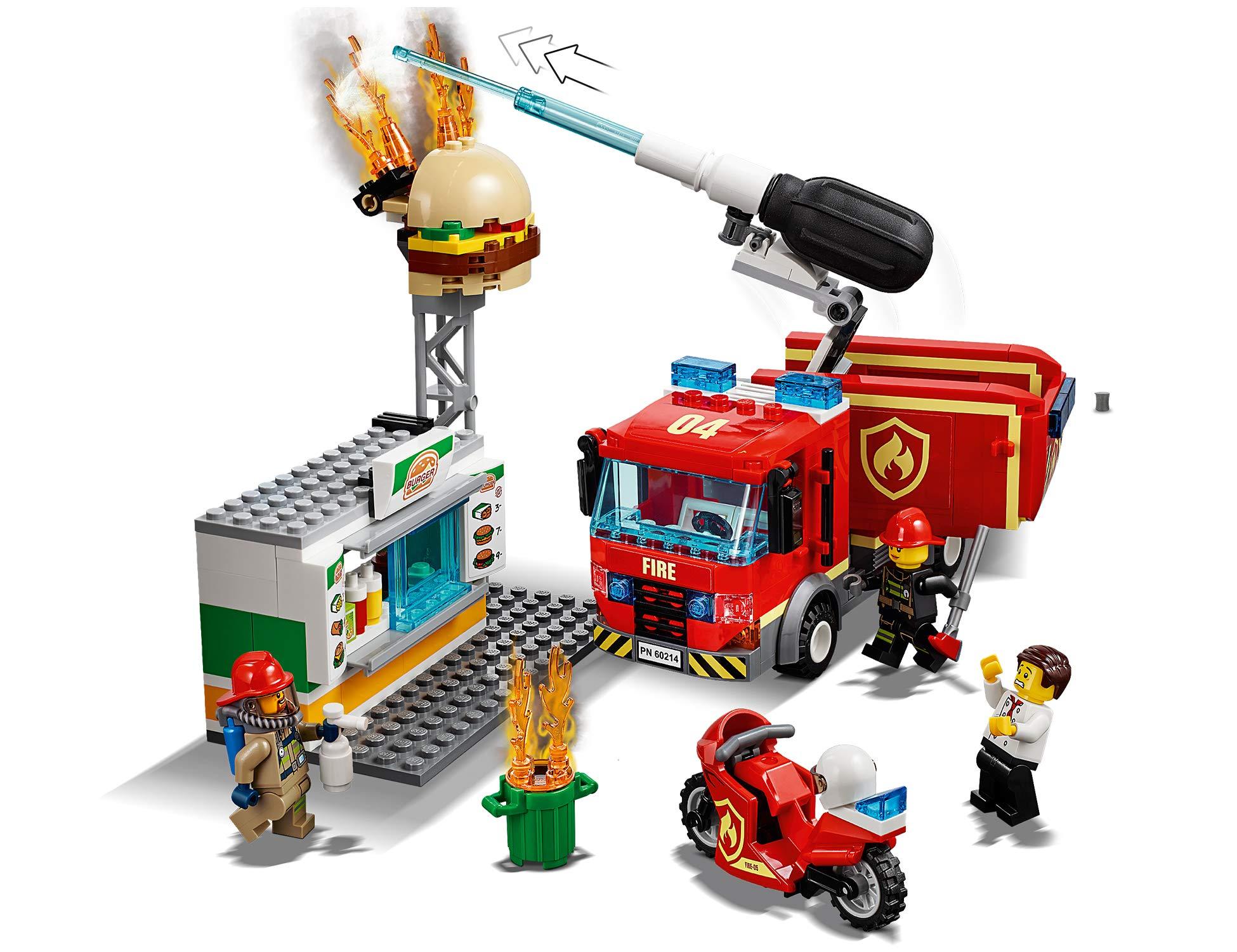 LEGO City Fire Fiamme al Burger Bar con 3 Minifigures, Una Autopompa dei Pompieri con Lancia Elementi Acqua, Set di… 3 spesavip