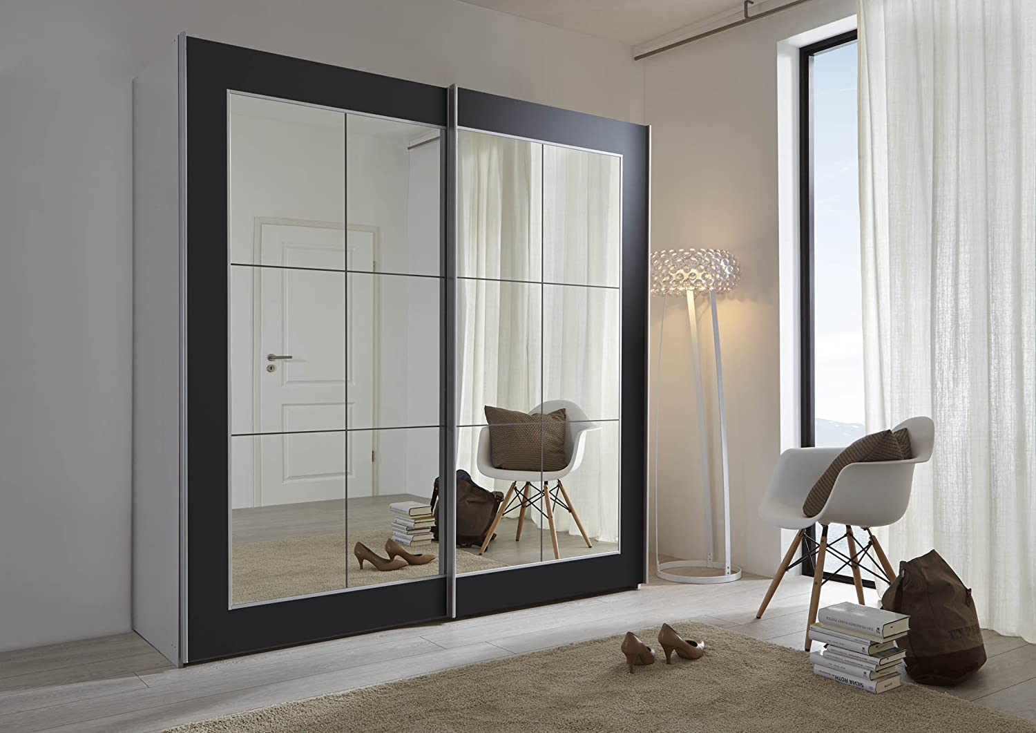 Schlafzimmer lattice: black sliding door wardrobe with mirror ...