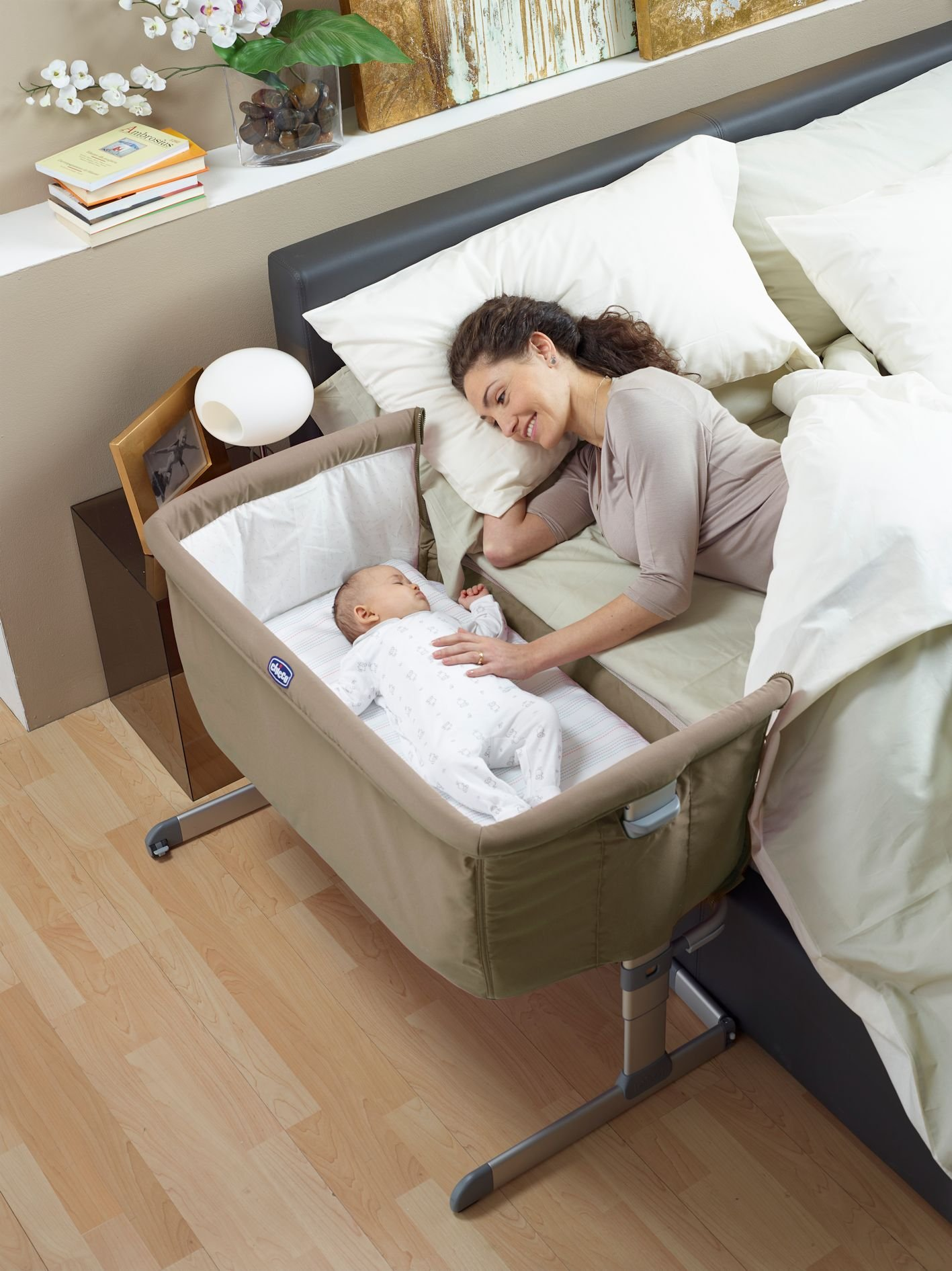 Chicco Next2me Side Sleeping Crib - Dove Grey Chicco Co-sleeping crib that promotes side-sleeping and allows you to sleep close to your child Can be used as a normal crib as baby grows.Open size: 66/81 x 93 x 69 Suitable from birth to 6 months/9 kg or until baby can pull themselves into an upright position 7
