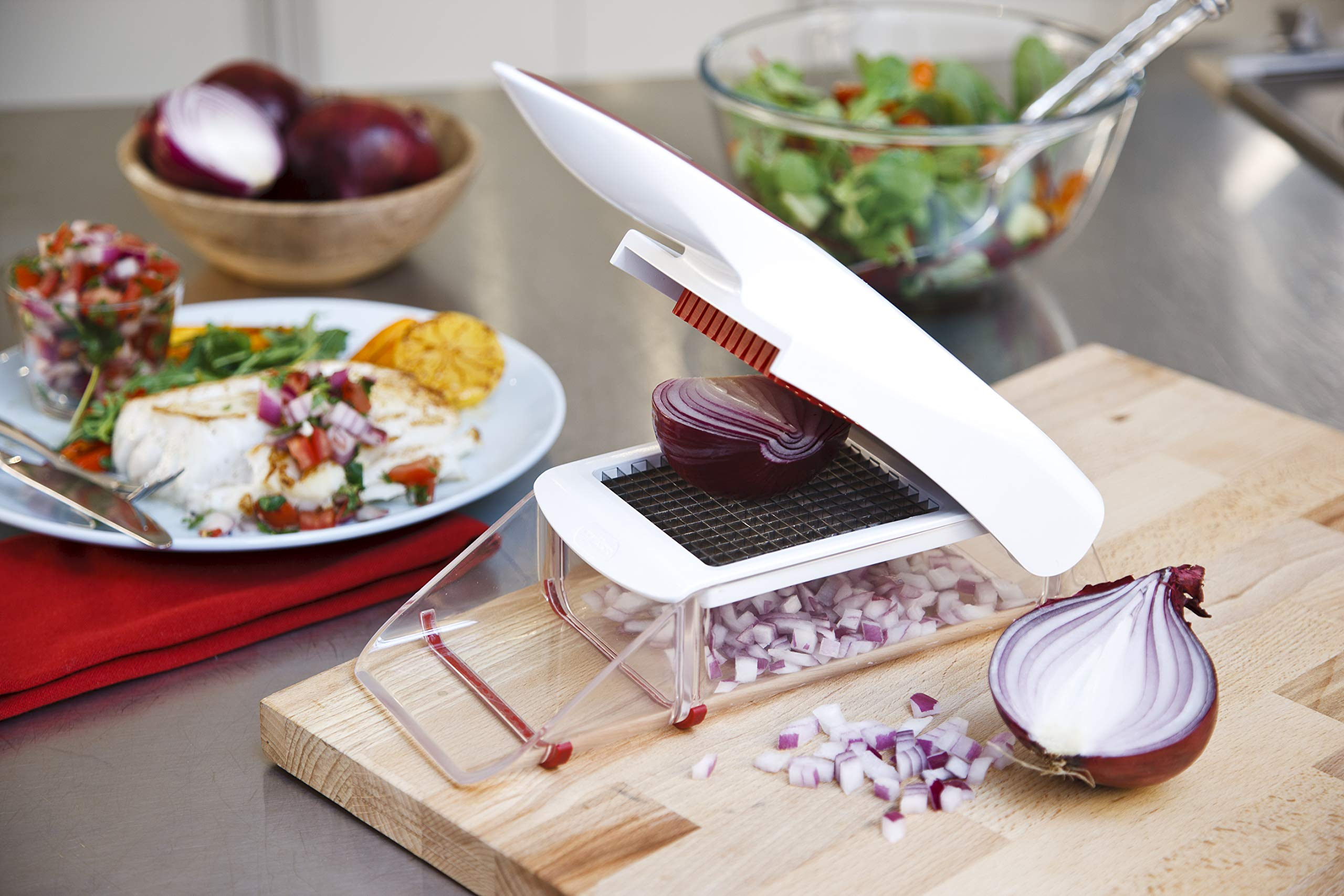 81UYzYD4SyL - Zyliss Onion Chopper, White and Red