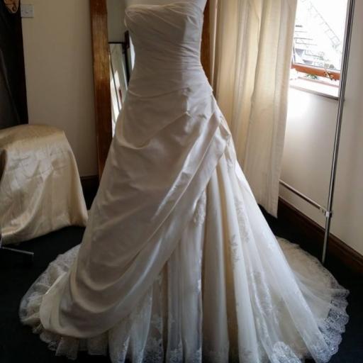 ivory-bridal-suite
