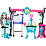 Monster High - Skulltimate Science Class Spielset inclusive Frankie Stein Puppe