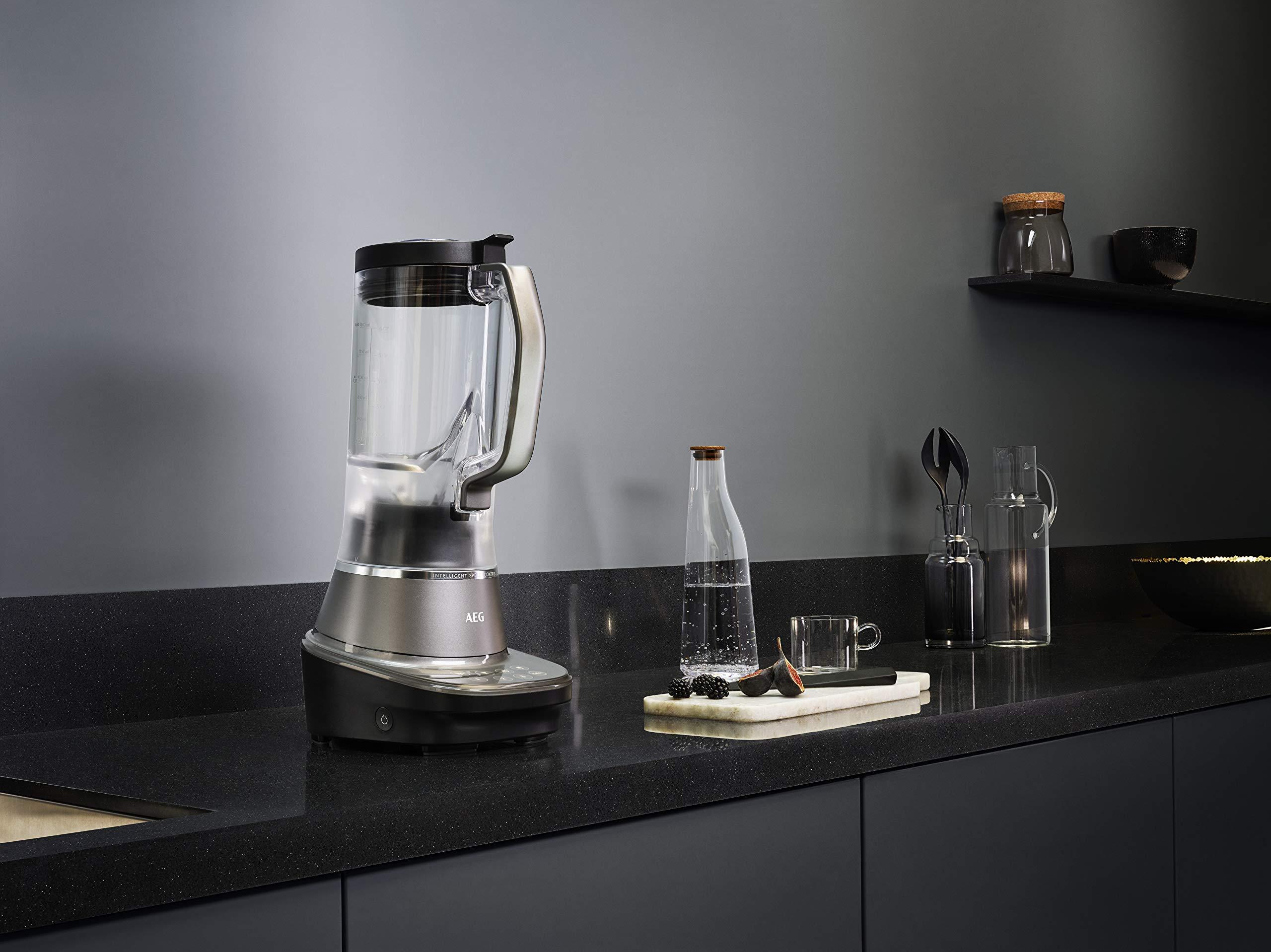 AEG-Gourmet-7-Mixer-TB7-1-8MTM-Standmixer-12-PS-3-Stufen-plus-4-Rezeptprogramme-15-l-Tritan-Krug-6-Klingen-Edelstahlmesser-Touch-Display-LED-Hinterleuchtung-BPA-frei-grauschwarz