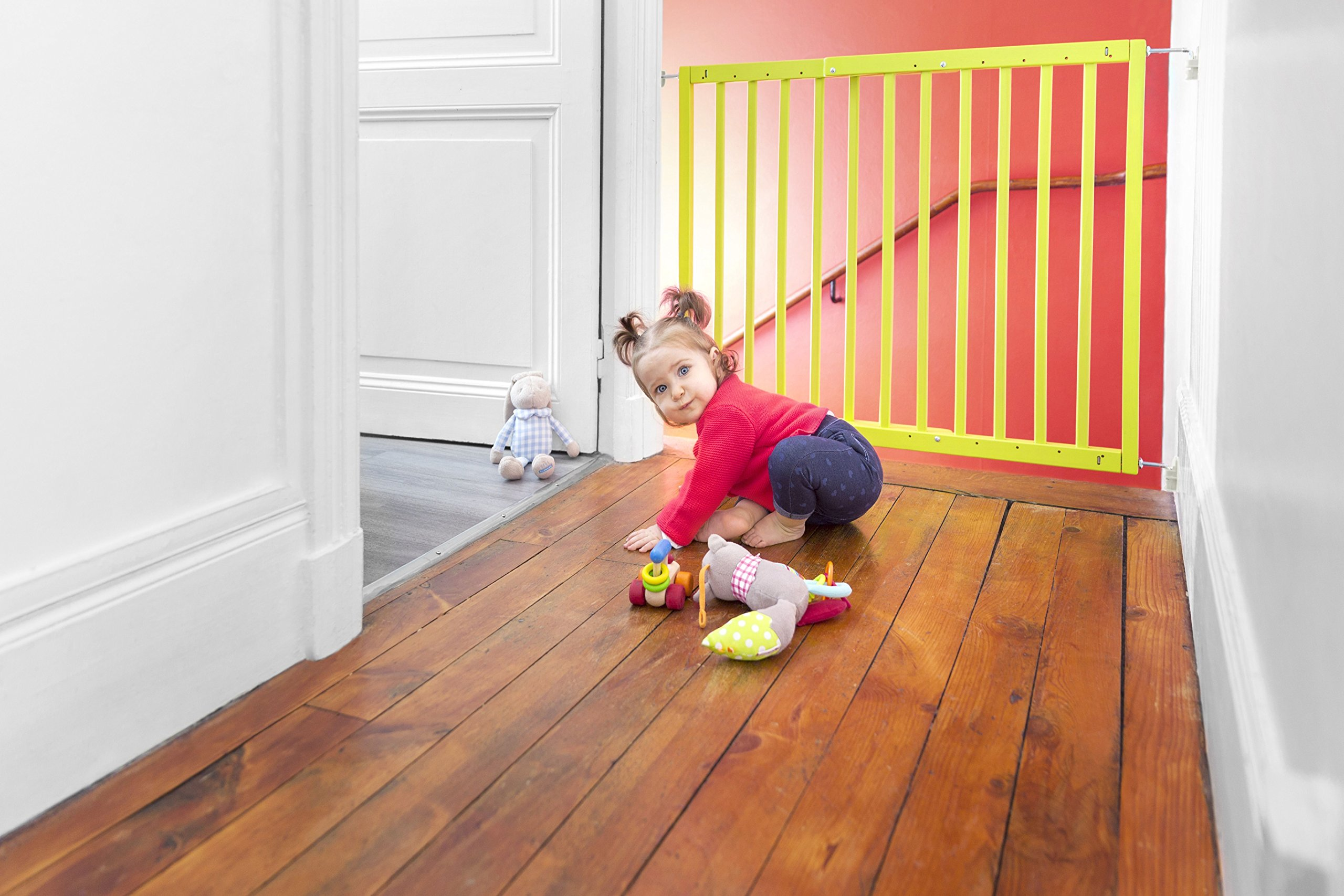 Badabulle Color Pop Safety Gate, Yellow Badabulle Mountable in just 7 minutes Easy to open Swinging door 8