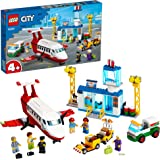 LEGO City Airport Aeroporto Centrale con Aereo Giocattolo, Camion del Carburante e Minifigura del Pilota, 60261