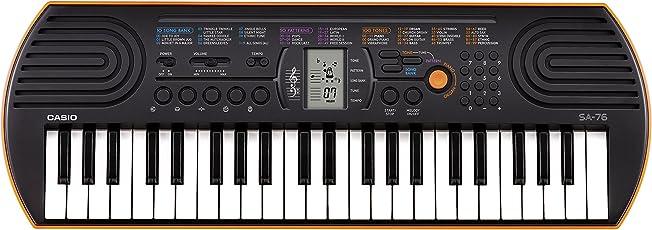 Casio SA-76 Mini Tastiera, 44 Tasti, Nero/Arancione