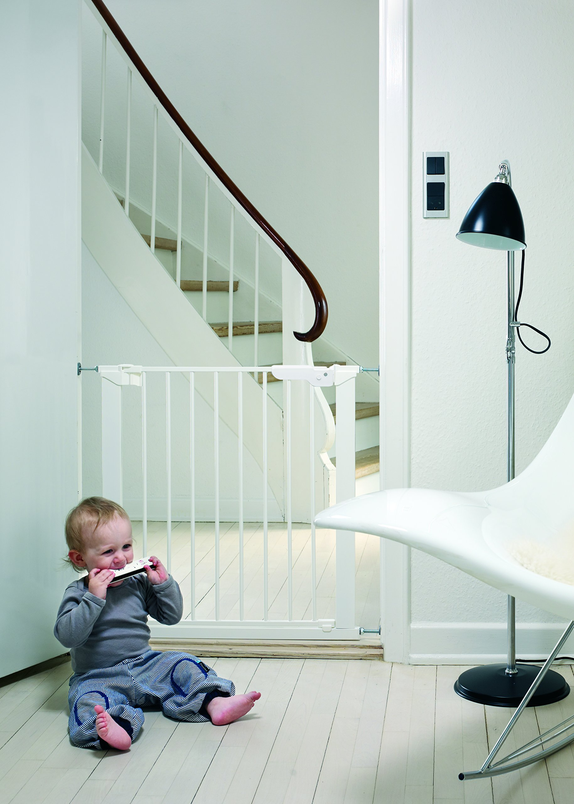 "BabyDan Premier True Pressure Fit Safety Gate (White), Fits Openings from 73.5 cm - 79.6 cm (29""-31.3"")  Fits openings from 73.5 to 79.6 cm wide; 73 cm in height Can be extended up to 119.3 cm with additional extensions (sold separately). The gate can take up to 6 extensions so can take up to 119.3cm. Pressure technology means the gate can be fitted without wall cups 2"