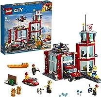 LEGO City Fire Caserma dei Pompieri su 3 Livelli con 4 Minifigures Mattoncini Sonori e Luminosi, Set Ricco di Dettagli e...