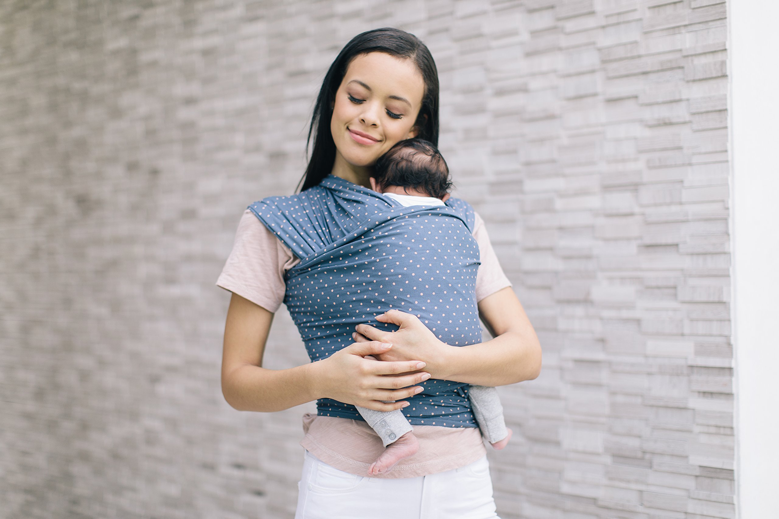 Ergobaby Baby Wrap Carrier for Newborn to Toddler up to 11kg, Coral Dots Baby Sling from Birth Breathable Stretchy made from 100% Viscose, Unisex Ergobaby Baby Wrap carrier for newborns, from birth up to 11.3 kg (25 lbs). Stretchy fabric with guiding edge makes it easier to tie, ideal for beginners. The wrap supports your baby in the ergonomic frog-leg position.  Soft and gentle on baby's delicate skin. Suitable for breastfeeding whilst carrying. Comfortable due to even weight distribution on back and hips. 2