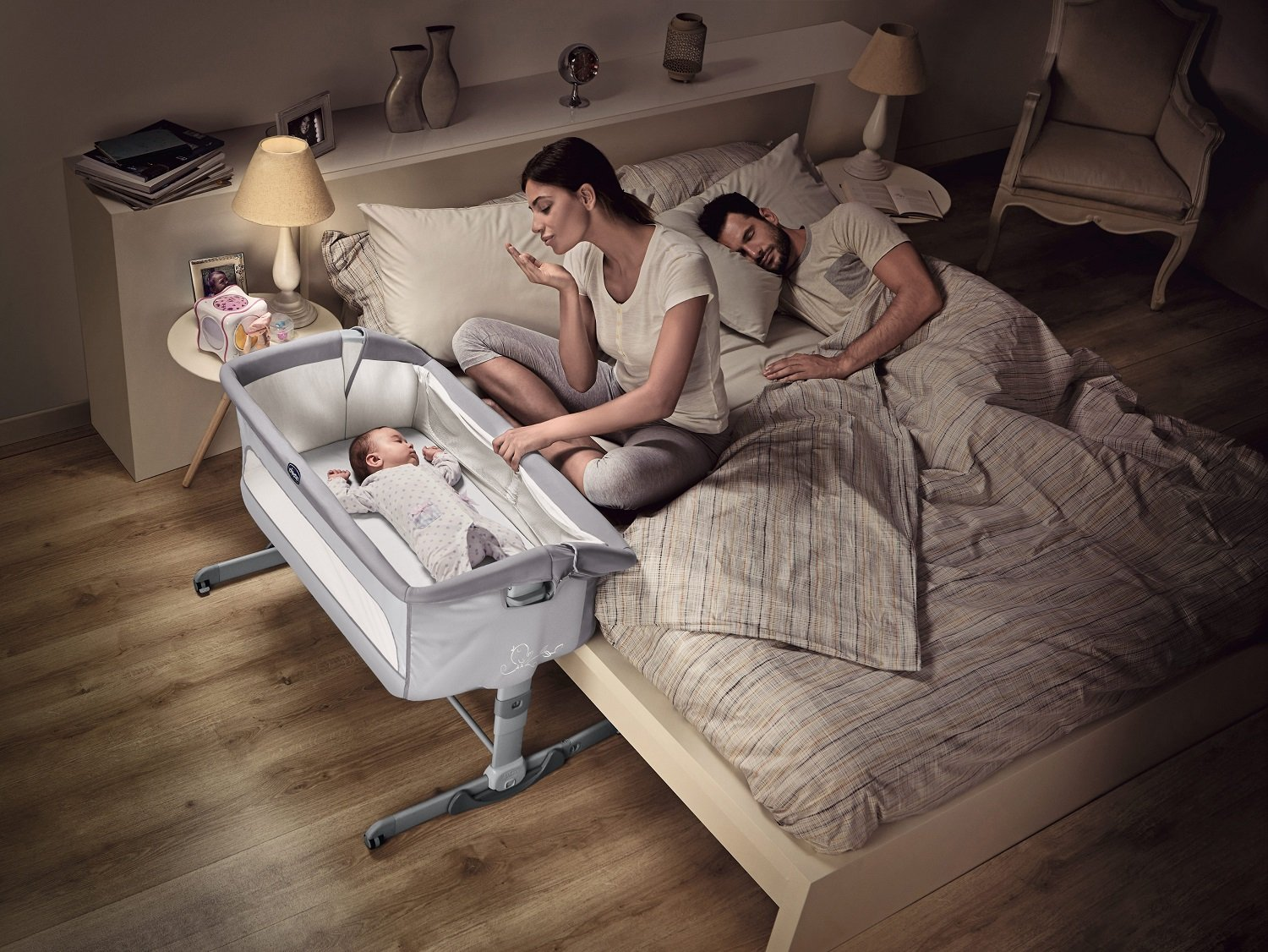 Chicco NEXT2ME Dream Crib - Graphite  The chicco next2me dream is the 3 in 1 solution and can be used as side-sleeping crib, as a stand-alone crib or as travel crib. Allows baby to sleep in your room for the first six months. 1-hand opening mechanism to easily change from side-sleeping to stand-alone configuration 6