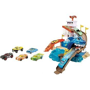 Hot Wheels Squalo Spiaggia Playset per Macchinine con Cisterna per Le Immersioni e Piscina per Tuffi, Incluso Un Veicolo Cambiacolore, Connettibile con Tutte Piste, BGK04