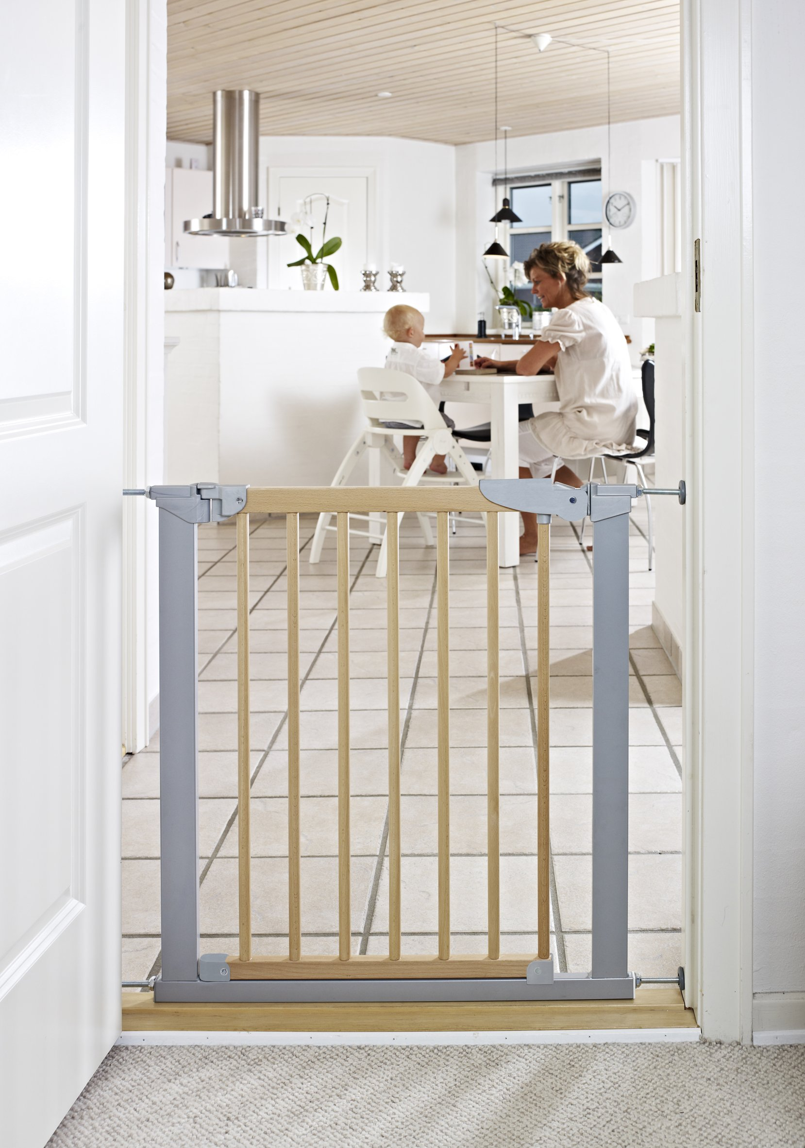 BabyDan Avantgarde True Pressure Fit Safety Gate (Beech/Silver)  Fits openings from 71.3 to 77.6 cm wide; 73 cm in height Can be extended up to 117.1 cm with additional extensions (sold separately) Pressure technology means the gate can be fitted without wall cups 2