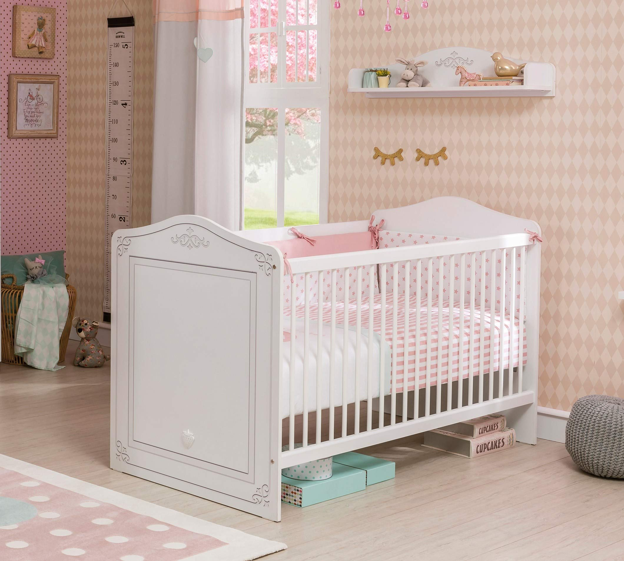 Dafnedesign.com - Cot early childhood bedroom for newborn or toddler - A baby cot with safety cage with poles - Includes a mattress - Width: 146 cm Height: 92 cm depth: 78 cm - [Series: Daphne-Classical] - (DF11) Dafnedesign 1 bed early childhood bedroom Baby bed Safety cage with poles 3