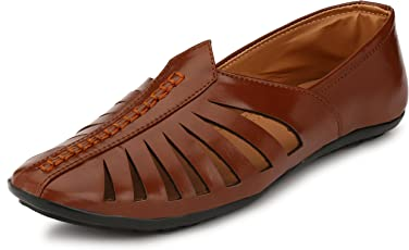 Revoke Ethnic Faux Leather Brown Mojari For Men