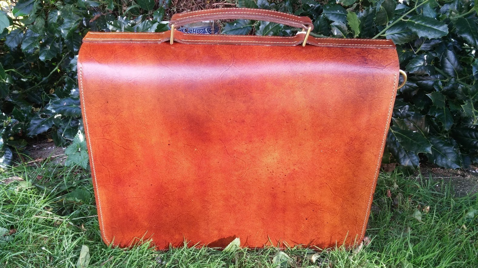 Handmade top handle briefcase / messenger bag, two compartments with leather divider, Veg tan Leather, adjustable and removable cross body or shoulder strap - handmade-bags