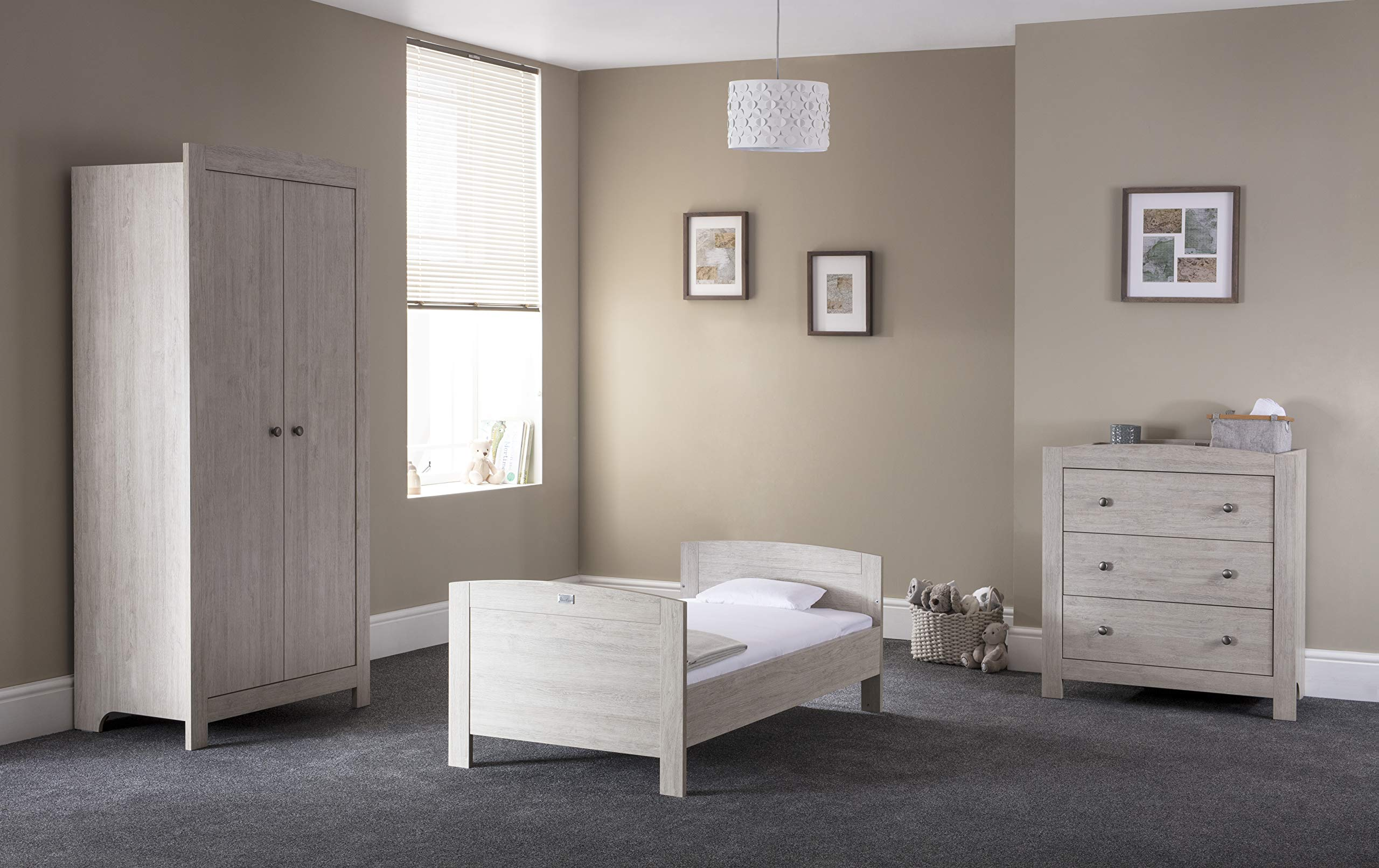 Silver Cross New England Cot Bed and Wardrobe Silver Cross 3 base height positions Suitable from birth to 4 years Converts into toddler bed 6