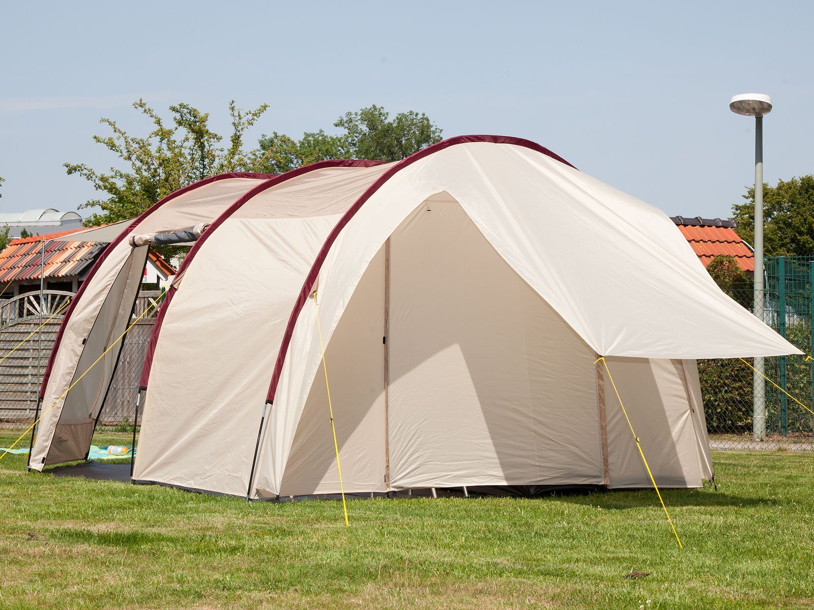 Skandika Camper Tramp Free-Standing Minivan Awning Tent with 2-Berth Sleeping Cabin and 210 cm Peak Height, Sand/Red, 2 Persons 4