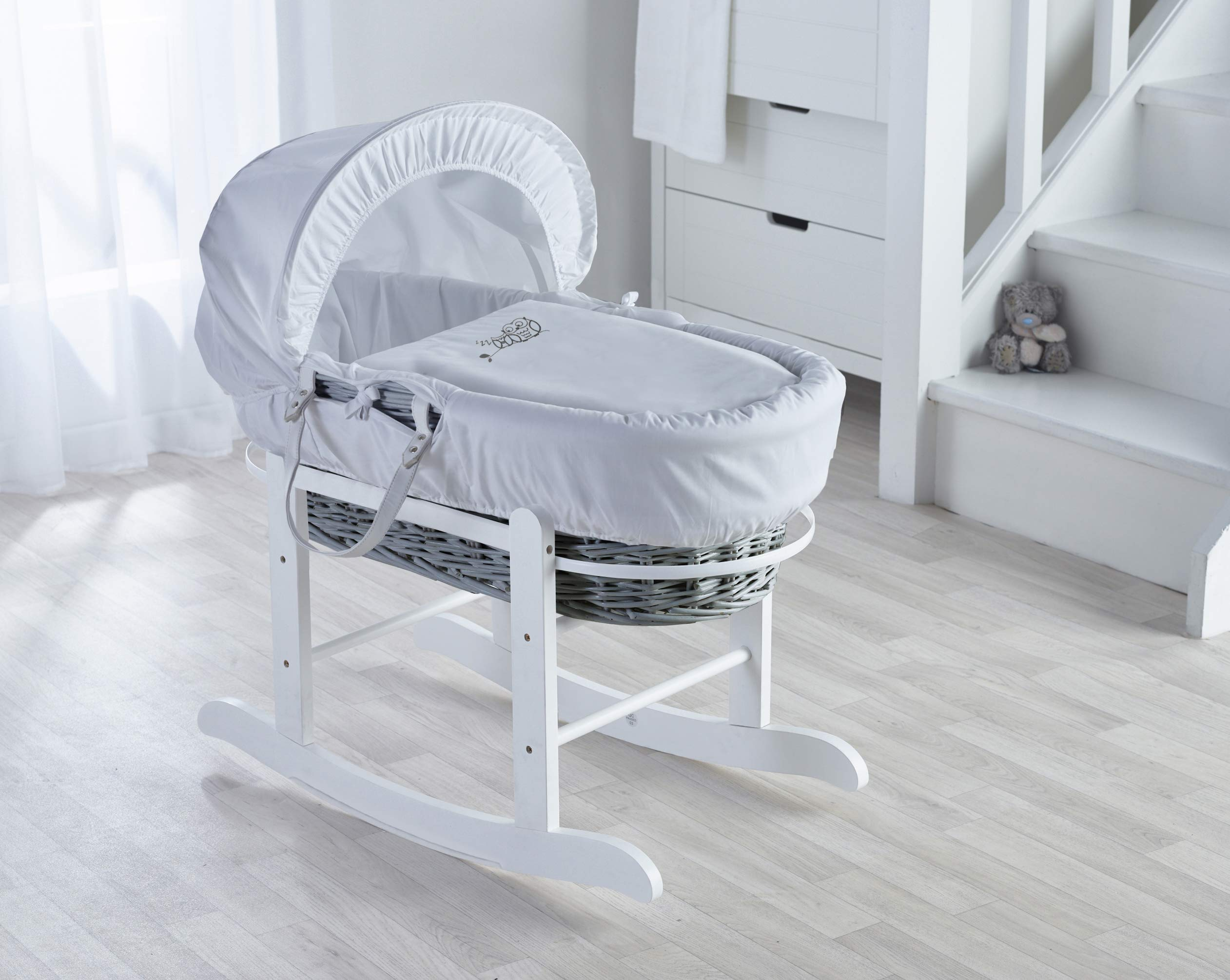 Sleepy Little Owl Moses Basket, Deluxe Rocking Stand and Starter Set Bundle Deal Elegant Baby Stylish Elegant Baby Exclusive moses basket Opulent cotton blend fabric with a luxurious soft padded surround Baby Essentials Bundle in white containing hooded towel, fleece blanket and cellular blanket 2