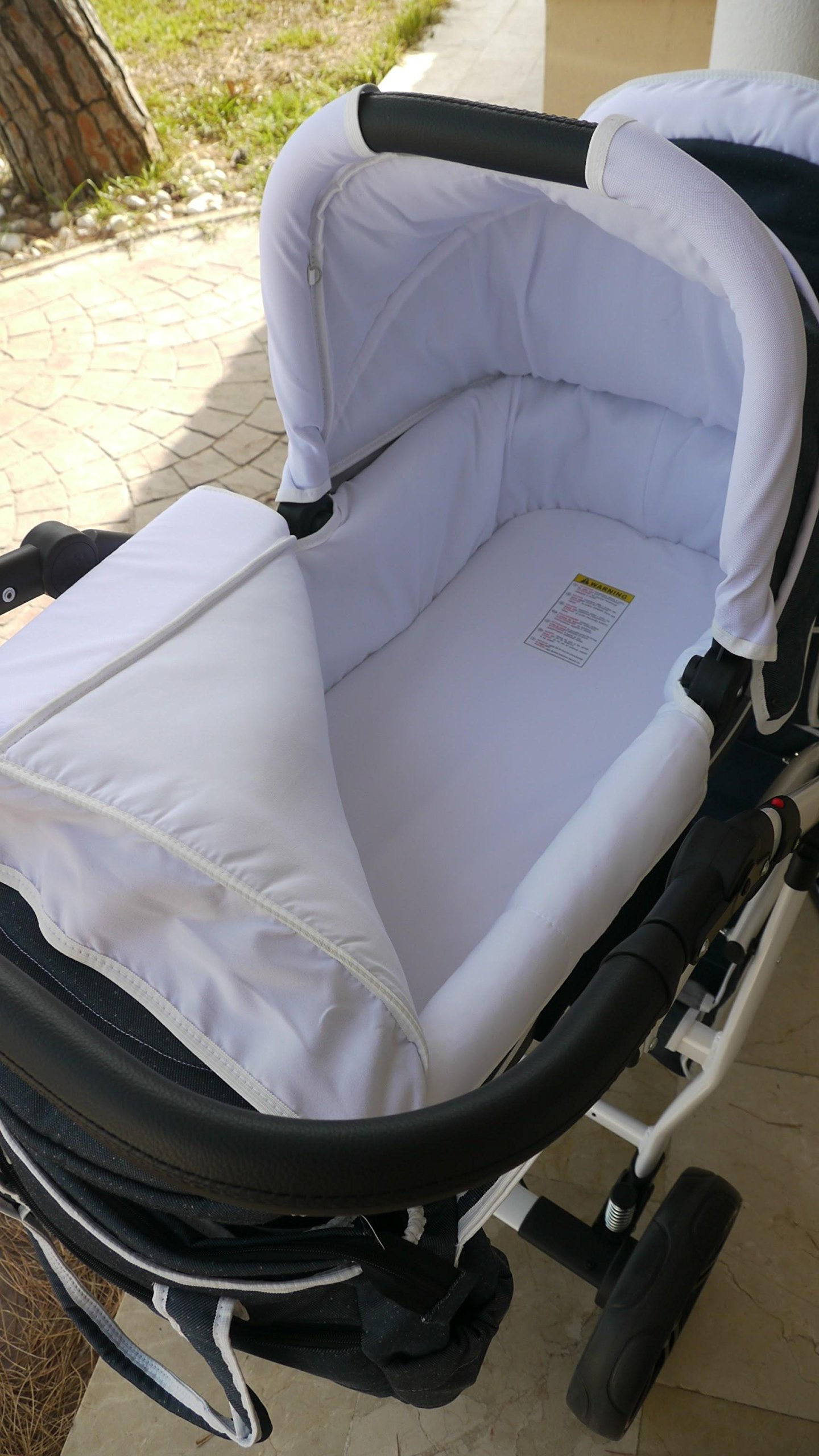 Double pram for twins. 2 carrycots + 2 buggies + 2 car seats + 2 ISOFIX bases. Jeans. BBtwin Berber Carlo Directly from the factory, warranty and advice. Made un the EU according to the regulations EN1888 and ECE44/04. Jeans+white, white chassis. Includes 2 carrycots, 2 buggy seats, 2 car seats, 2 ISOFIX bases, bag, 2 footcovers, 2 rain covers, 2 mosquito nets, lower basket Features: lightweight aluminium frame, easy bending, adjustable handlebar, central brake, lockable front swivel wheels, shock absorbers, each buggy can be instaled independently in both directions, carrycots with a mattress and a washable cover, backrest adjustable in various positions, safety bar and harness of 5 points 9