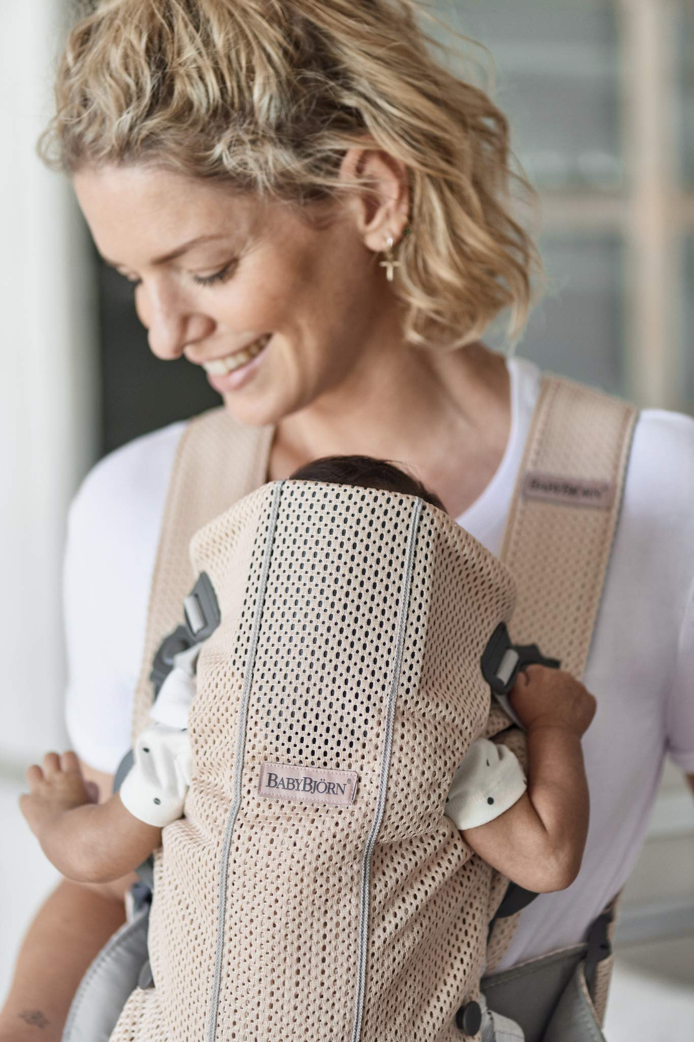 BABYBJÖRN Baby Carrier Mini, 3D Mesh, Pearly Pink Baby Bjorn Perfect first baby carrier for a newborn Small and easy to use 3D Mesh - Cool and airy mesh fabric, with an incredibly soft inner layer next to your newborn's skin 6