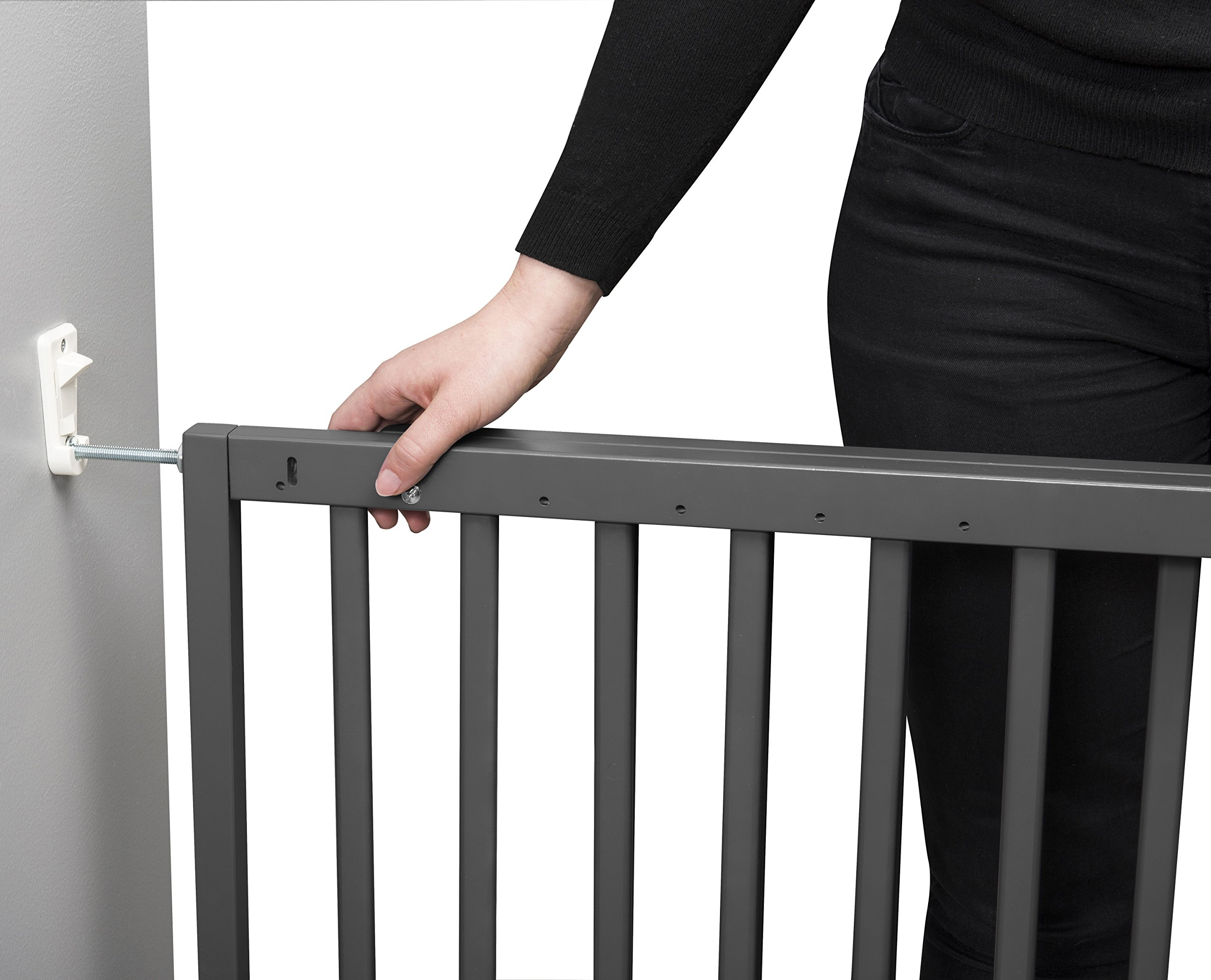Badabulle Color Pop Safety Gate Grey Badabulle Fits openings between 63.5 cm and 103.5 cm Gate type opening Assembled in 7 minutes 2