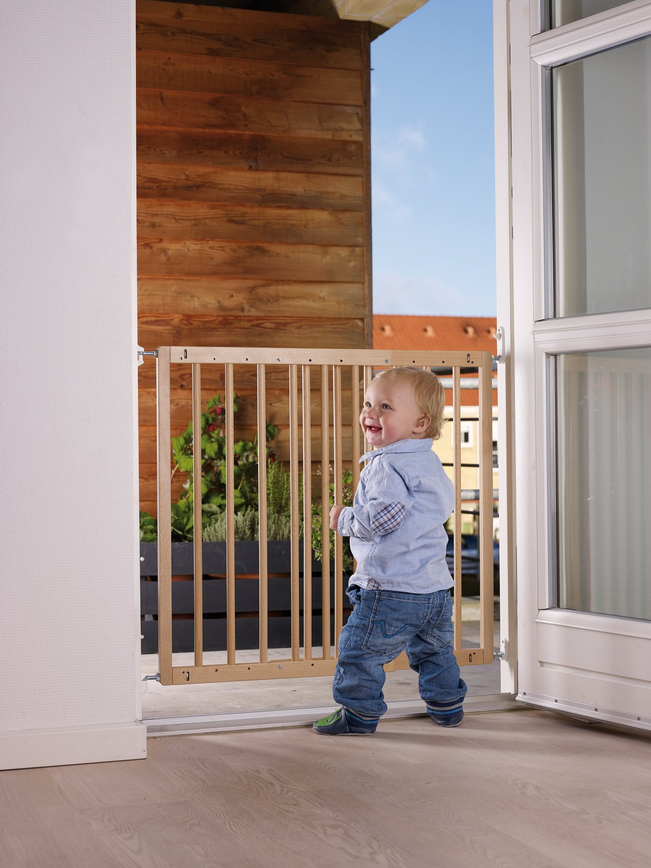 BabyDan Multidan Extending Wooden Safety Gate Beech, 60.5-102cm  Opening measurements: 60.5 - 102 cm (23.9 inches - 40.1 inches). 73 cm in height Features wide walk-through section and a no-trip bar When fitted, no tools are required to remove the gate for clear passage between the rooms. The gate opens either way and can be operated with one hand 4