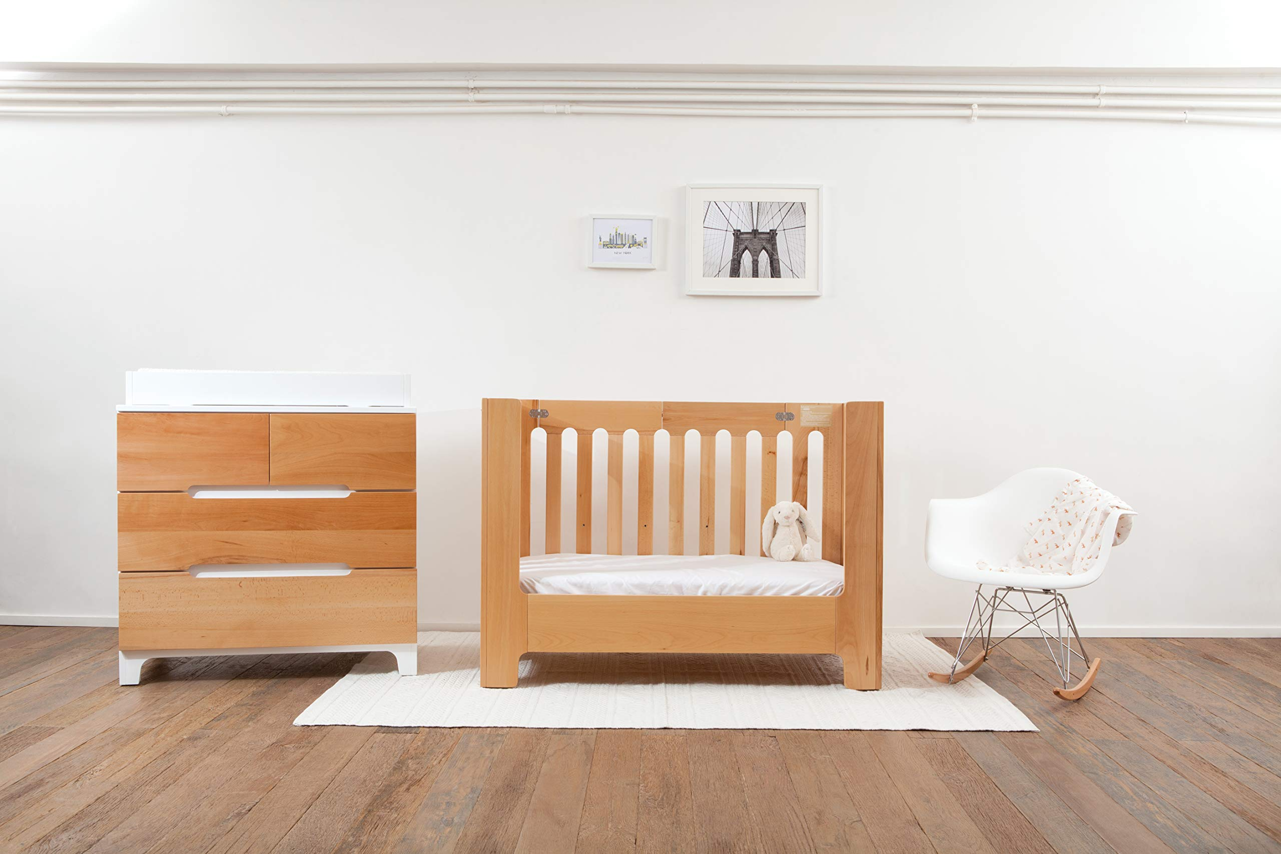 Bloom Alma Papa Baby Crib/Cot (Convertible, Sold Wood, 0-4 Years) (Natural)  Alma Papa is suitable from newborn to 4 years, beautiful, modern solid wood crib with 2 mattress heights allow use as a bassinet & full-size crib patented compact-fold construction for easy storage & transport (durable storage bag available separately) open slats on all four sides maximize all important air-flow 6