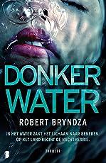 Donker water (Erika Foster)